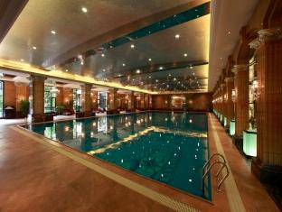 Chateau Star River Minhang All Suite Hotel Shanghai - Swimming Pool