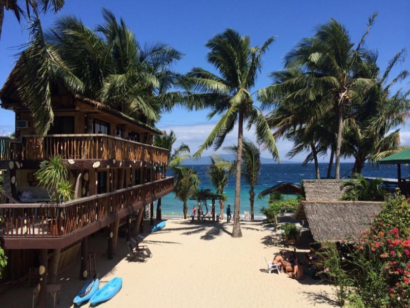 Bamboo House Beach Lodge & Restaurant 竹屋海滩酒店餐厅