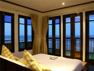 The Herbs Hotel By The Sea guestroom junior suite