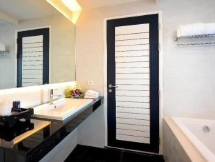 Sea Sun Sand Resort & Spa Phuket - Deluxe Pool Side - Bathroom