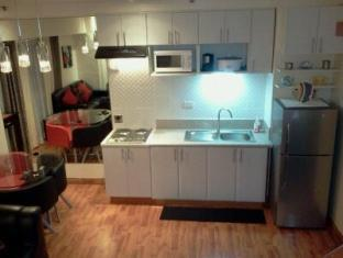 East of Galleria Condominium Manila - Kitchenette -Bi-level