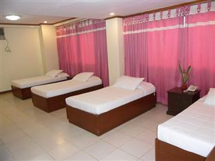 Standard Room (4 Sgl Bed With Pullout)