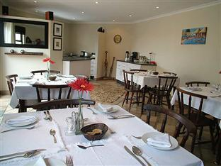Lalapanzi Guest Lodge Port Elizabeth - Dining