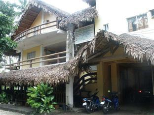 Polaris Beach House Pagudpud - Hotel Exterior