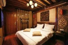 YUNQI INN  Double Bed Private Studio YINGYUE, Lijiang