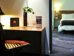 Park Inn by Radisson Foreshore, Cape Town Cape Town - One Bedroom Suite
