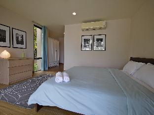 Palm Crescent Hua Hin Resort guestroom junior suite