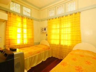 Villa Alzhun Tourist Inn and Restaurant Bohol - Standard Double Room