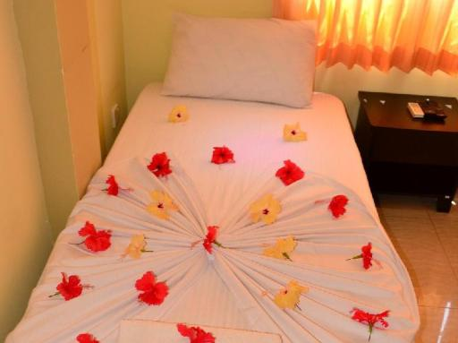 UI Inn PayPal Hotel Male City and Airport