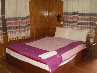 Khumsuk Resort guestroom junior suite