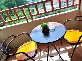 Thipurai Beach Hotel guestroom junior suite