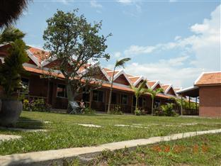 Long Villa Inn Kep - Exterior