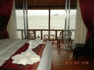 Long Villa Inn Kep - Suite with sea view
