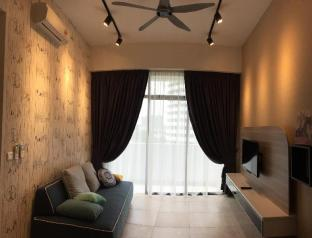 2 BedRoom Private and Modern Hideaway Condo