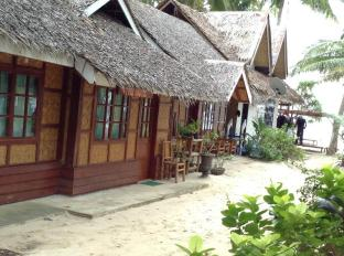 Panglao Tropical Villas Bohol - the huts room