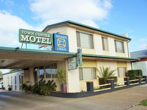 Golden Chain Hotel in ➦ Leeton ➦ accepts PayPal