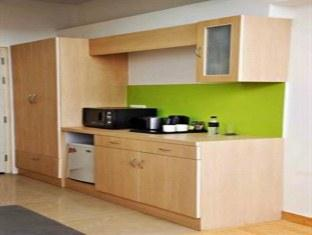 Qube Studios-Greater Noida New Delhi and NCR - Grand Studio - Kitchen