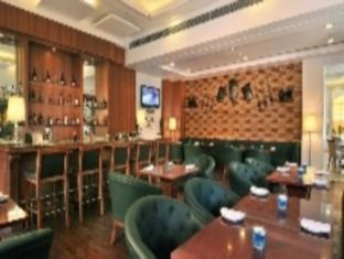 Altis Hotel by Aveda New Delhi and NCR - Pub/Lounge