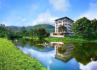Westwood Riverside Garden Resort