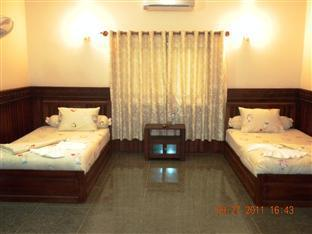 Borey Santepheap II Guesthouse Kep - Bungalow Family Room with AC