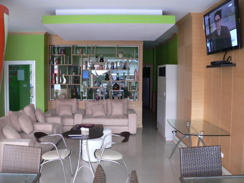 โรงแรมป่าตอง อายส์