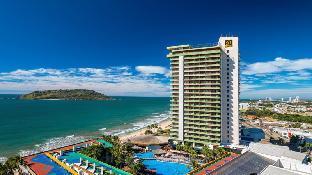 El Cid El Moro Beach: A tropical paradise