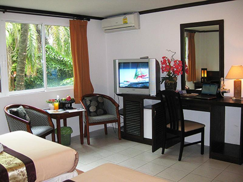 The Nice Hotel Phuket