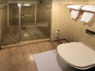 Clarks Inn Kaushambi New Delhi and NCR - Bathroom