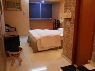 White Lily bed and breakfast New Delhi and NCR - Room Interior