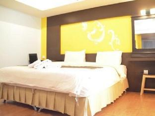 Baan Chalelarn Hua Hin guestroom junior suite