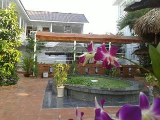 Satisfy Hotel Chau Doc (An Giang) - Orchid in the hotel garden