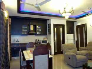 India Luxury Homes New Delhi and NCR - Dining Lounge
