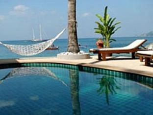 Patong Beach Front Suites Phuket - Piscina