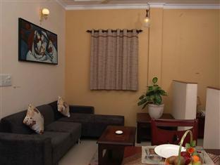Tree Top Greens Serviced Apartment New Delhi and NCR - Living Room