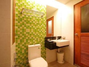Kalim Beach Place Phuket - Bathroom