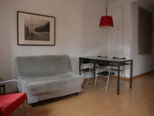 BP Francisco Giner Apartment Barcelona - Livingroom