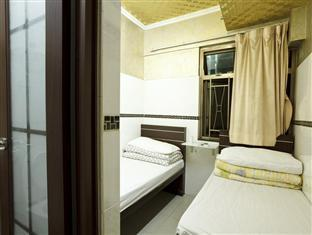 The Hong Kong Holiday Guest House Hong Kong - Triple Room(1 Double Bed + 1 Single Bed)