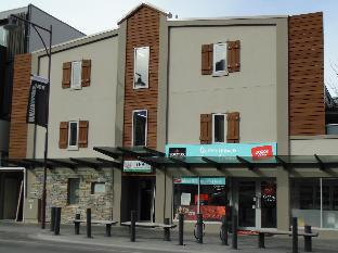 ➦  YHA Australia Hostels    customer rating