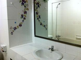 Chao Phya Grand Hotel Hat Yai - Bathroom
