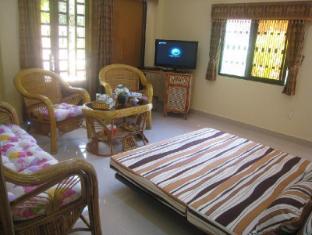 Maisons d'Amis de Khuon Tour Phnom Penh - Salon Suite Villa