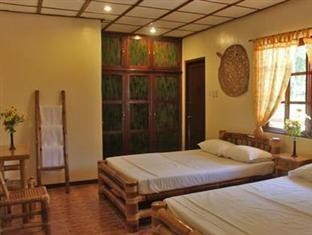 Nataasan Beach Resort and Dive Center Sipalay City - Guest Room