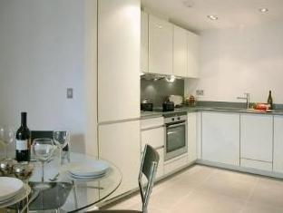 Times Square Serviced Apartments London - Suite Room