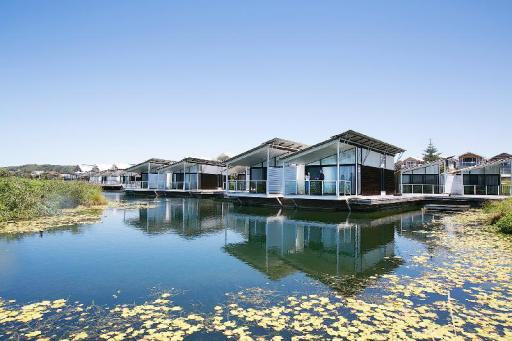 book Lake Macquarie hotels in New South Wales without creditcard