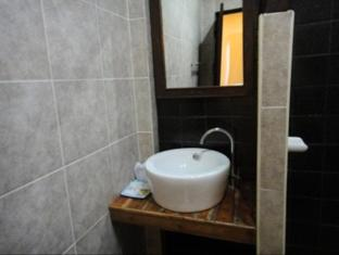Baan Worachan Hotel Apartments Udon Thani - Bathroom