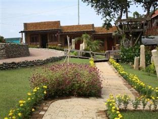Leslie's Palawan Tropical Hotel, Resort and Restaurant Puerto Princesa City - Garden