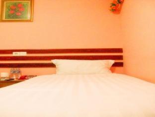 Ru-Jia Indonesia Hotel Jakarta - Kamar Tidur
