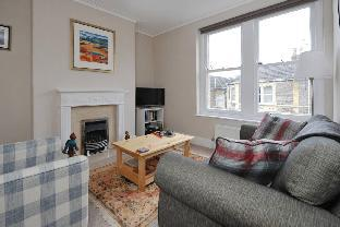 Beautiful one bedroom flat in Redland