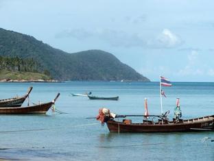 Baan Sai Yuan Пхукет - Пляж