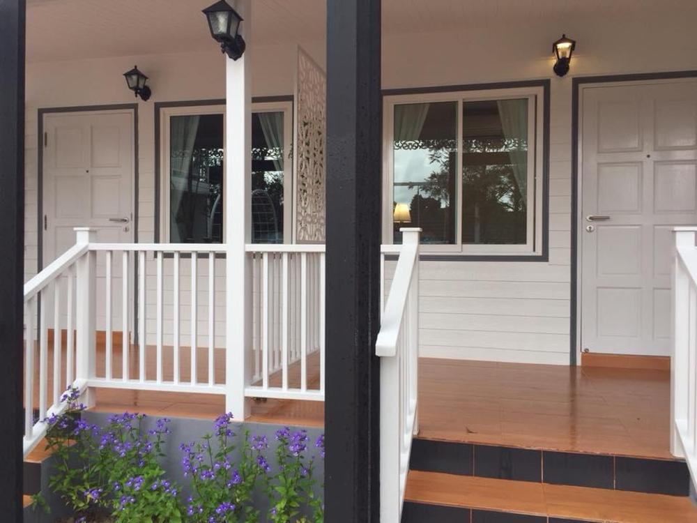 The White Village Ranong Resort