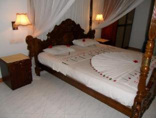 Bougain Villa Bentota/Beruwala - Apartment Bedroom